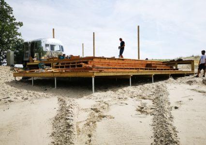 Terrass Pärnu rannas kruvivaiadel