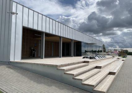 Terasvaiadel ühiskondlikhoone ja terrass, WPark Väike-Kamaris Põltsamaal